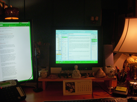 deskj0220db.jpg